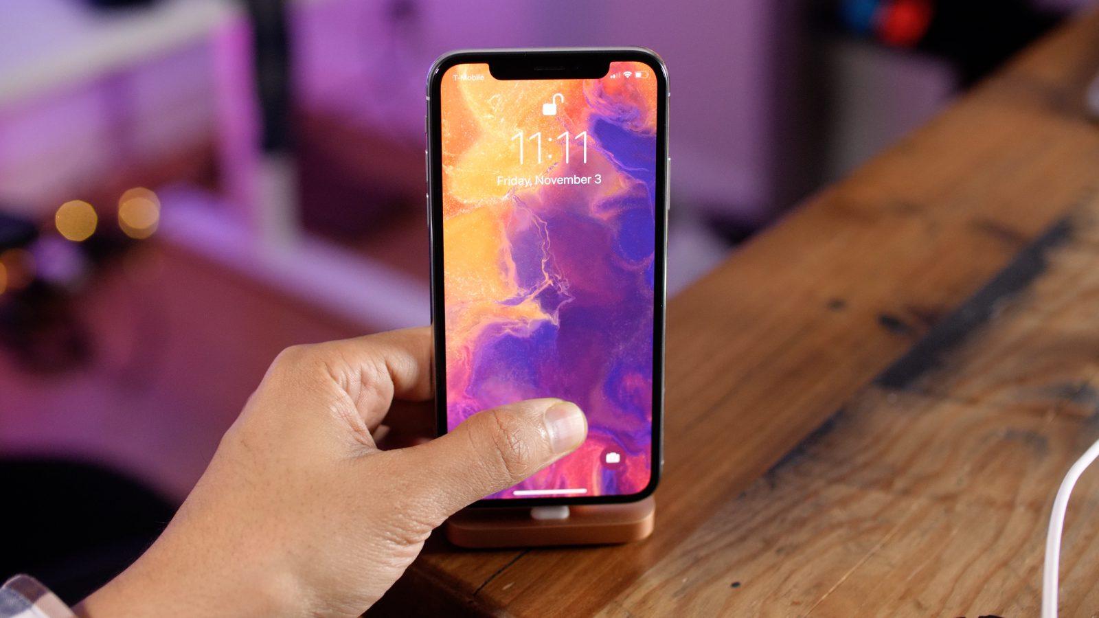 Apple mal cez víkend problém: Systém iOS na iPhonoch padal ...
