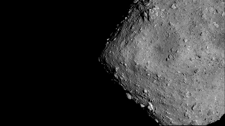 asteroid tazenie projektil vystrelit japonska vesmirna agentura vzorka