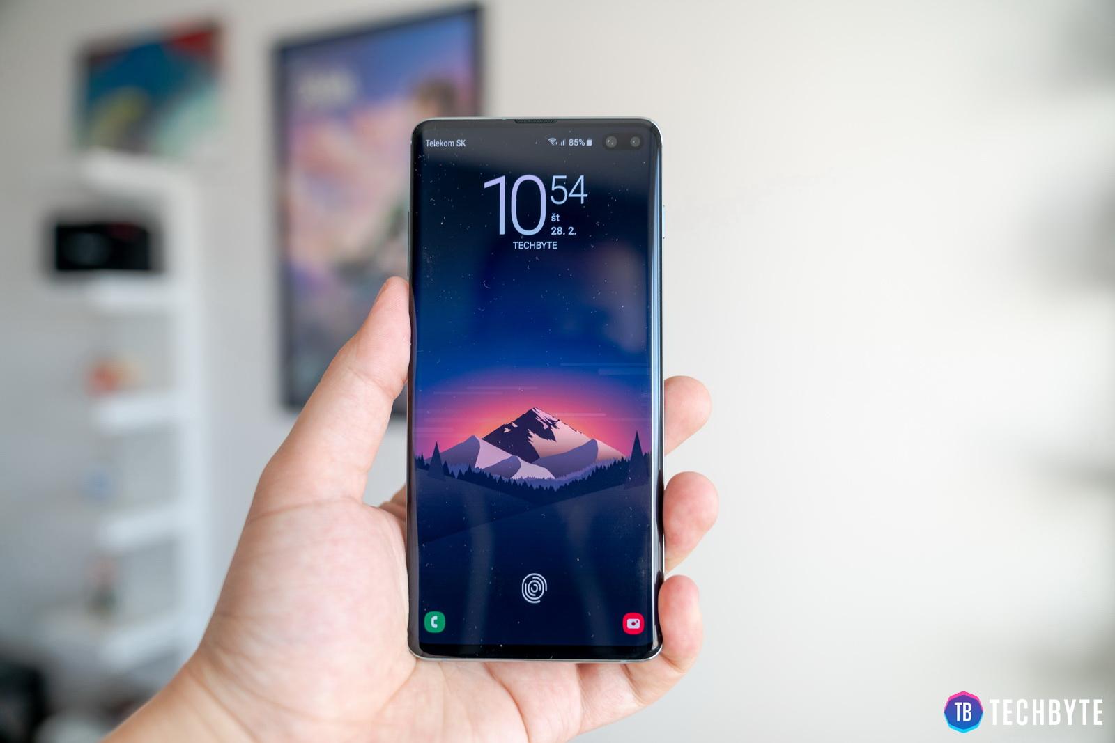 Samsung Galaxy S10 (FOTO Lukáš Zachar)