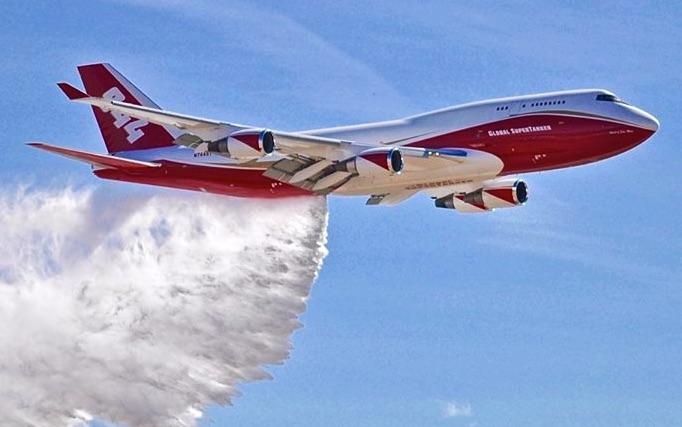 Lietadlo Boeing 747-400