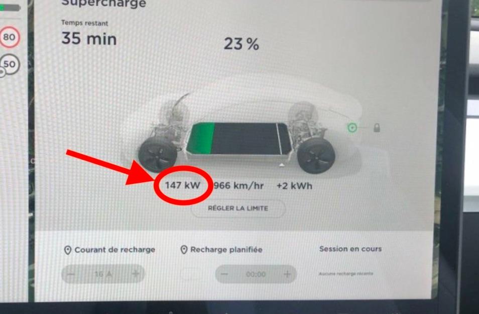 Jeden z používateľov elektromobilu Tesla zostal prekvapený