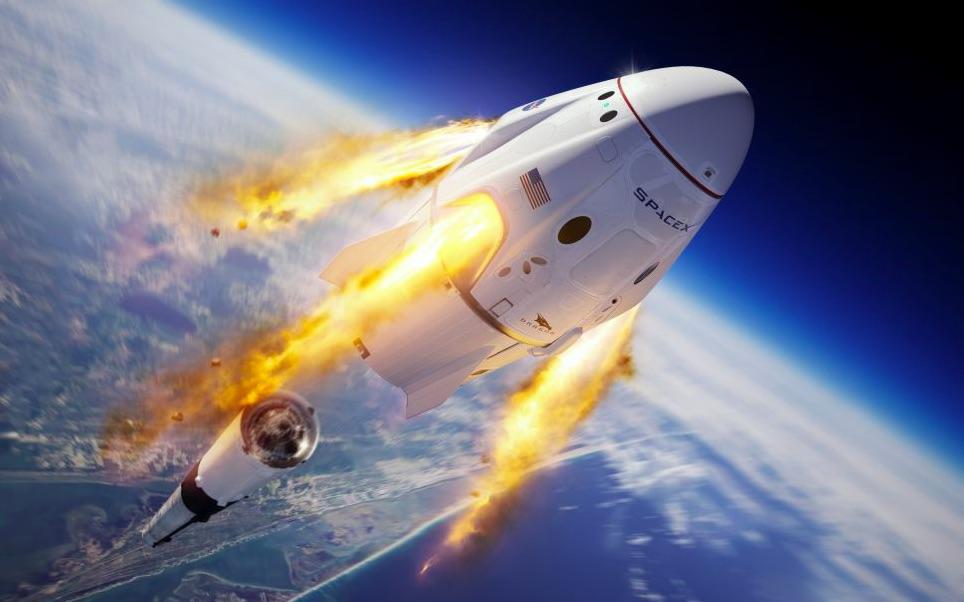 Crew Dragon a nosná raketa Falcon 9 v akcii